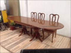 mesa con sus sillas de segunda mano